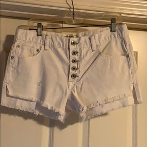 Free People White Denim Shorts. Size 27